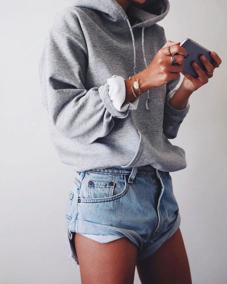 4 cách mix áo hoodie chuẩn chỉnh cho nàng - ảnh 5