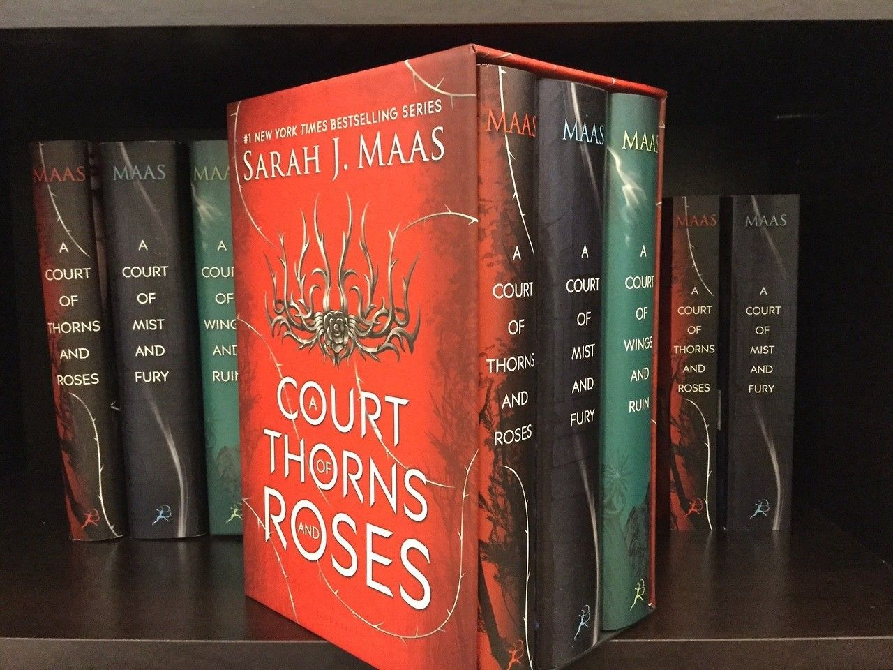 A Court Of Thorns And Roses Hardcover Box Set It S Soooooo Pretty