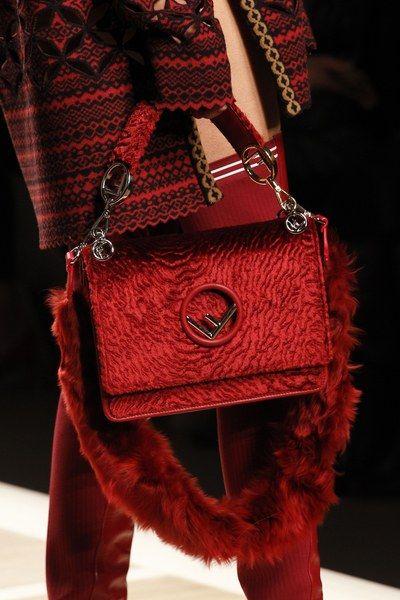 fendi by the way medium leather shoulder bag shoulder bags 505442243  official photos 90232 57bf3 5c6da504d0