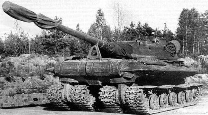 Object 279 experimental heavy tank. Its unorthodox design was made with operation on the nuclear battlefield as top priority