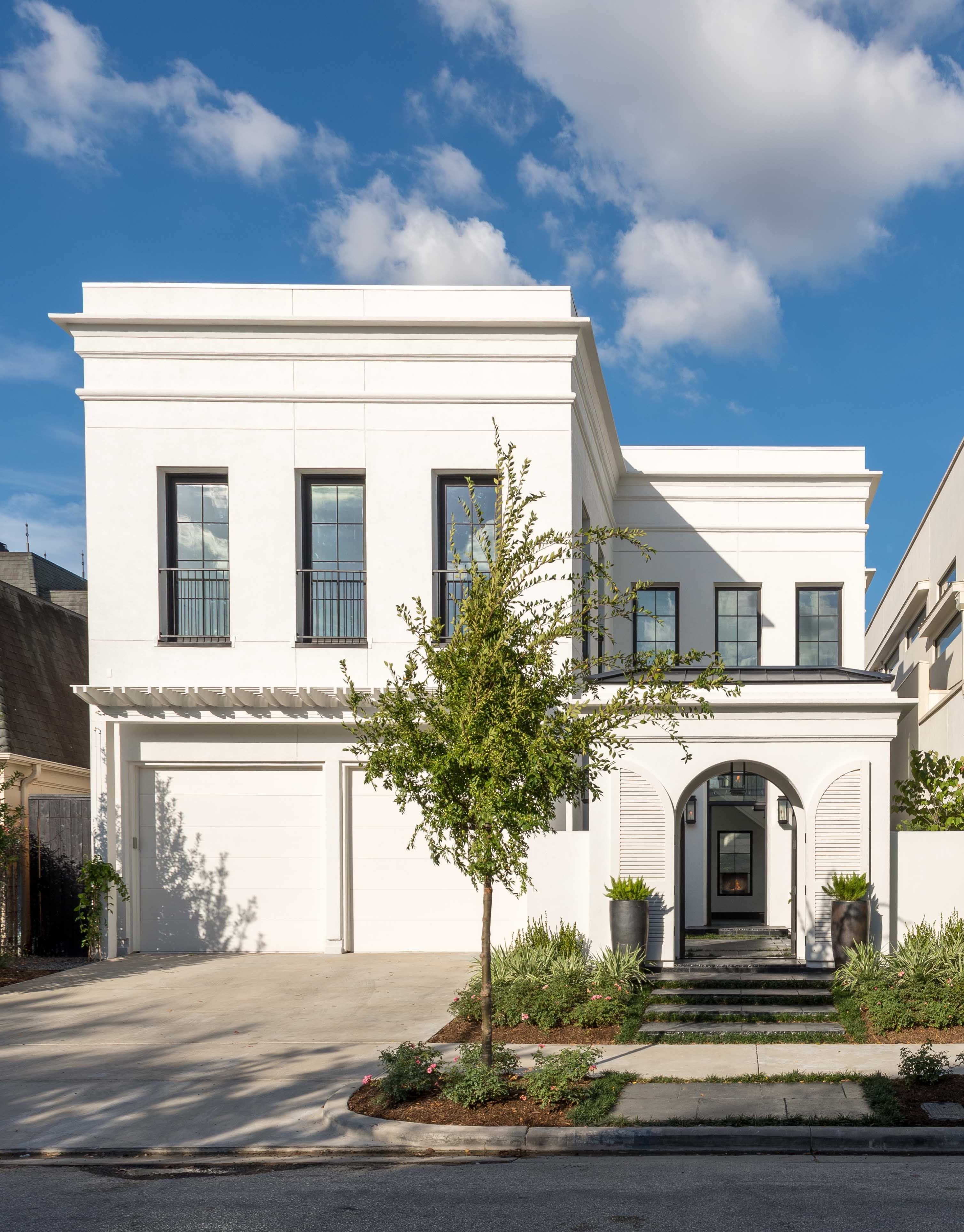 Exterior 30 Stunning Modern Landscape Design Ideas 30 Of Classic House Exterior Classic House Design Roman House