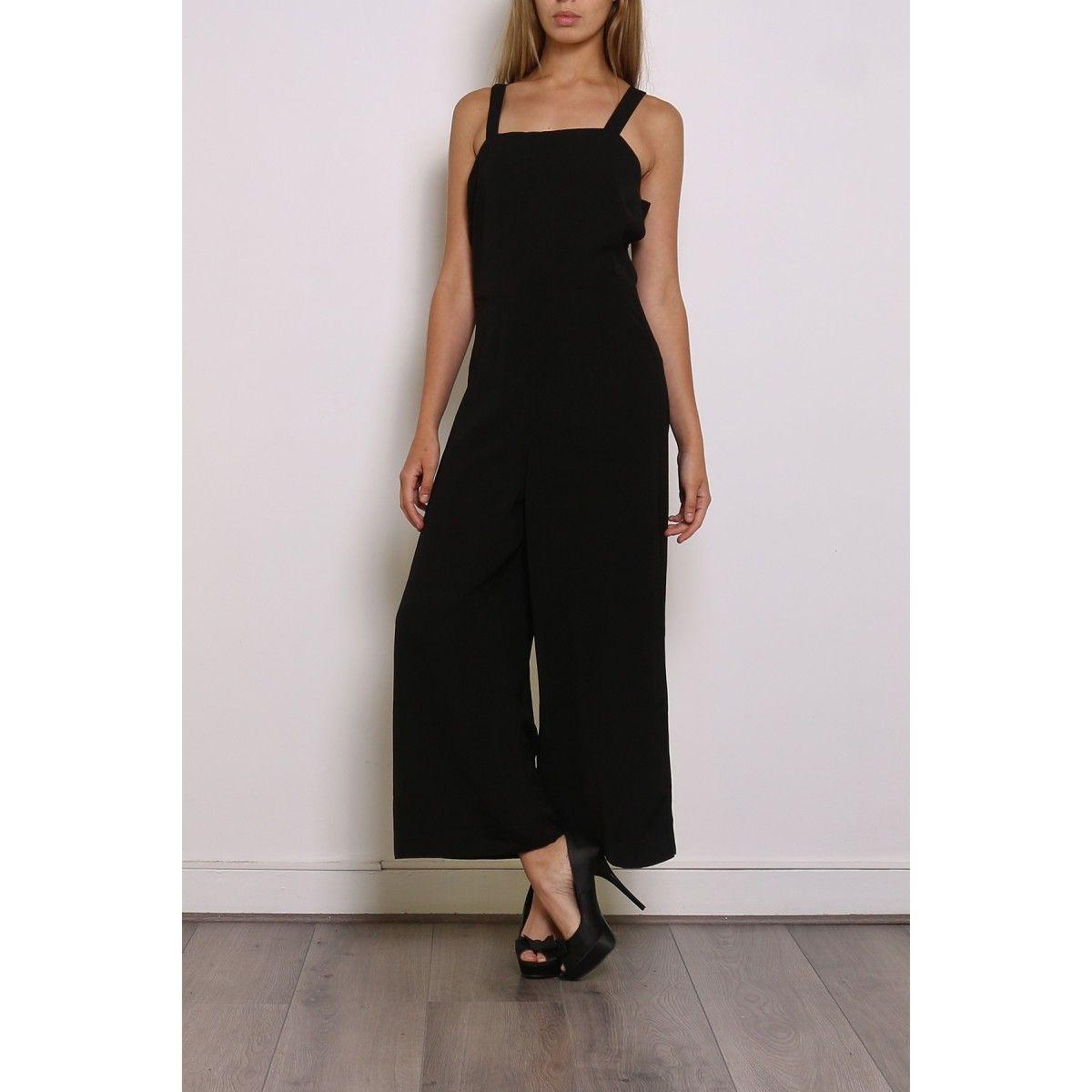 combinaison noire avec bretelles pantalon large 3 4 clothes women v tements femme. Black Bedroom Furniture Sets. Home Design Ideas