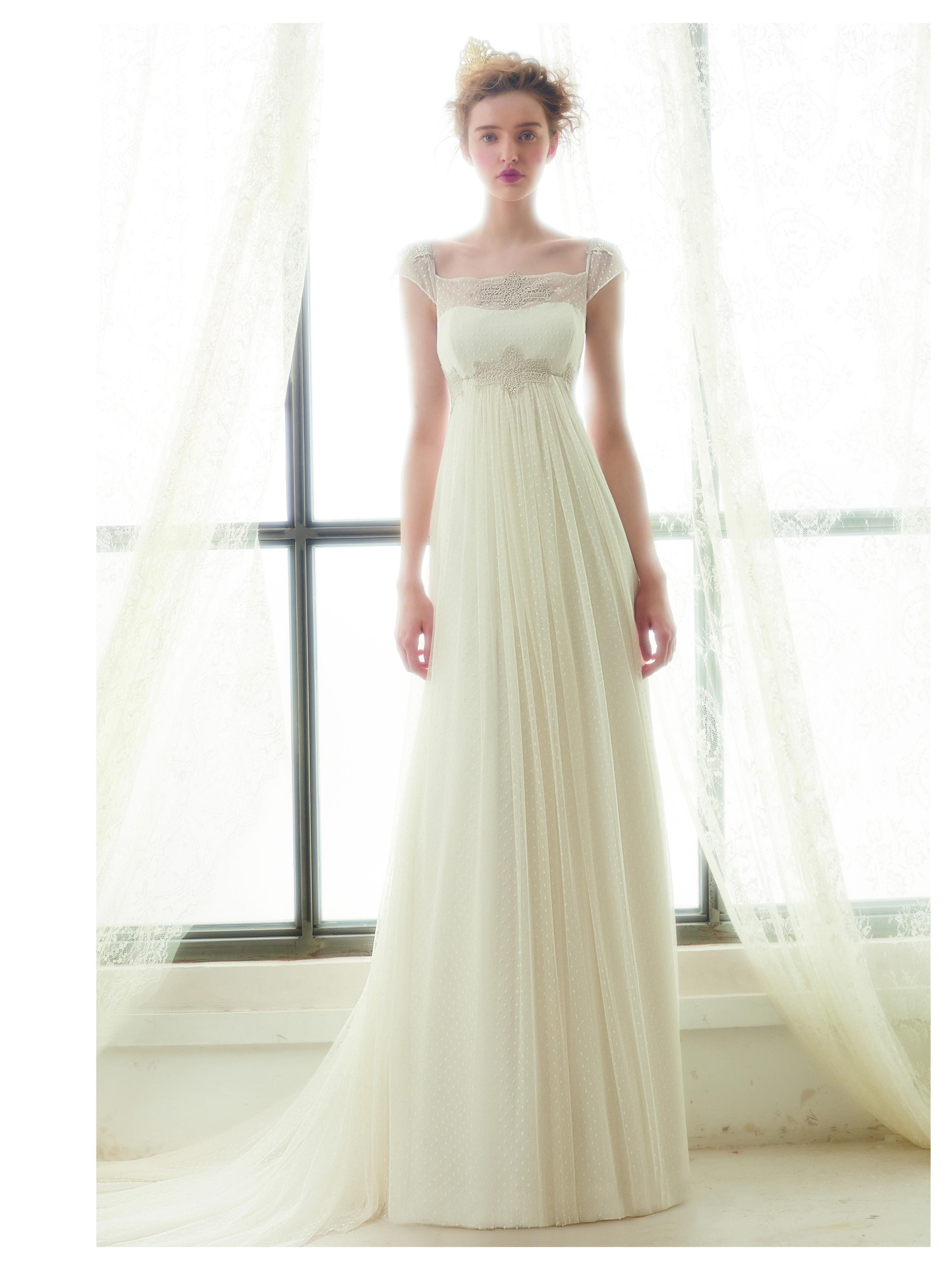 Vestido de #novia con corte imperio y escote cuadrado. Modelo LIZ ...