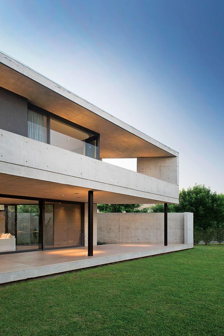 Amado cattaneo arquitectos casa chia en 2019 espacios for Casa moderna hormigon