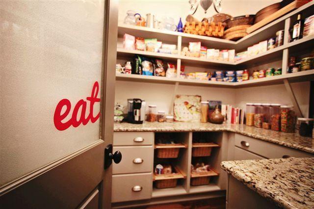 Kerri Robusto interior Design | EAT HERE
