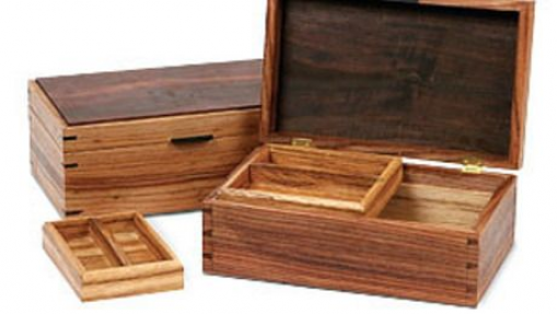 Two Ways To Build A Box Finewoodworking Smallwoodcrafts In 2020 Woodworking Jewellery Box Fine Woodworking Wood Boxes