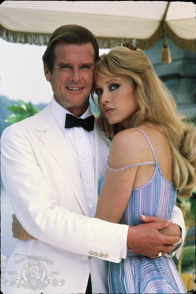 Still Of Roger Moore And Tanya Roberts In A View To A Kill With