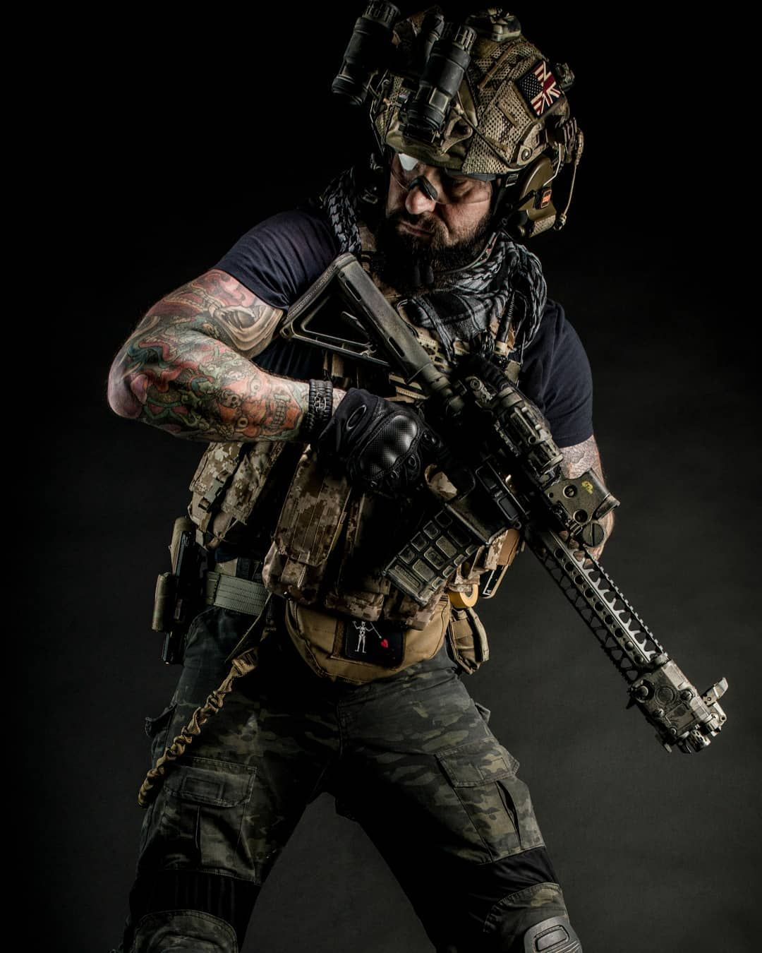 Airsoft player (With images) Military gear, Combat gear