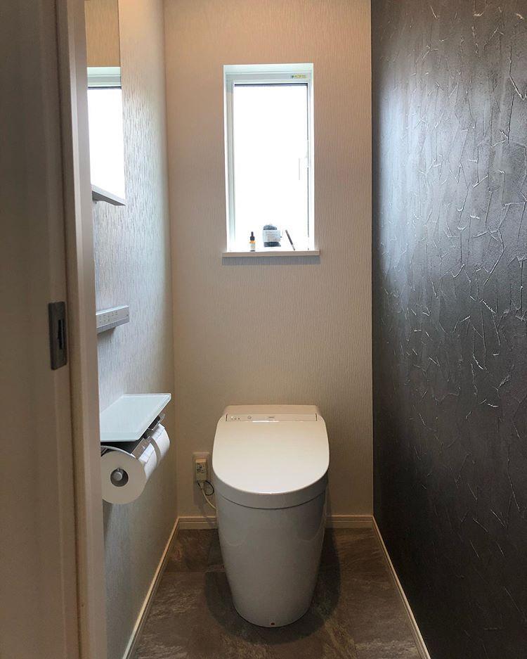 Mno666onm Instagram 我が家のトイレ ほんと何も変哲も無いただの トイレですが リクエストあったので載せちゃいます 一階はtotoのネオレスト タンクレス で スティックリモコン トイレ インテリア トイレ リモコン