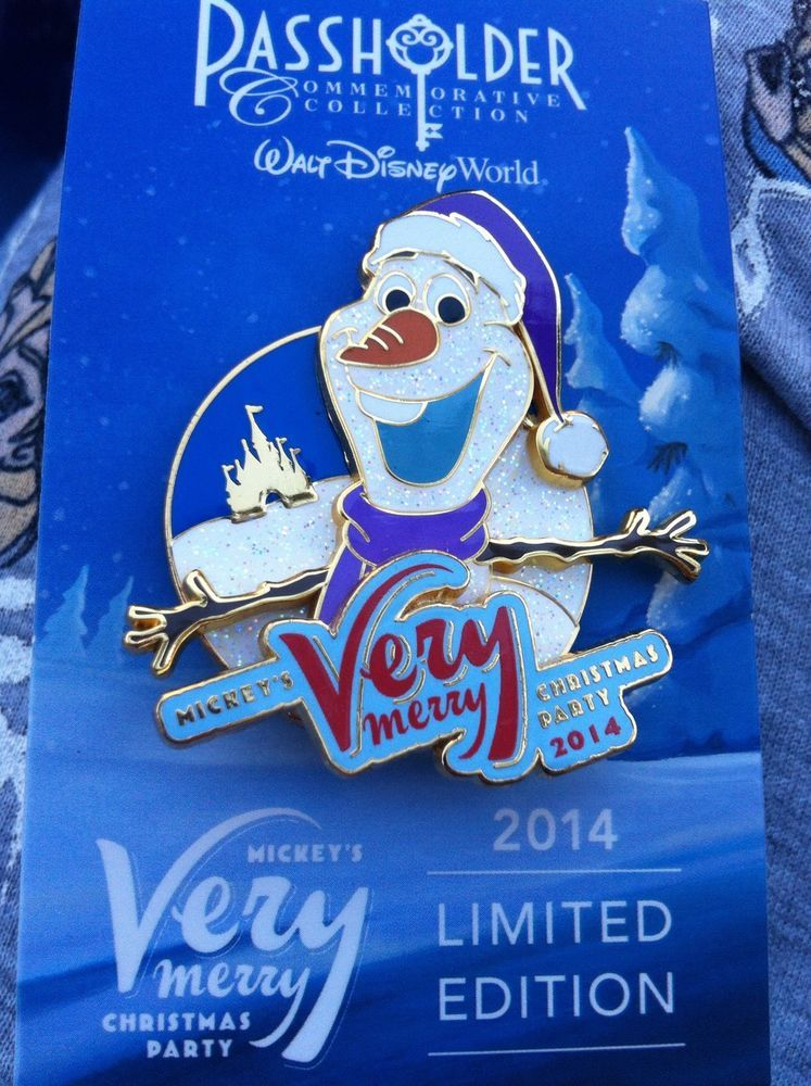 Disney 2014 Very Merry Christmas Party Frozen Olaf Passholder LE Pin