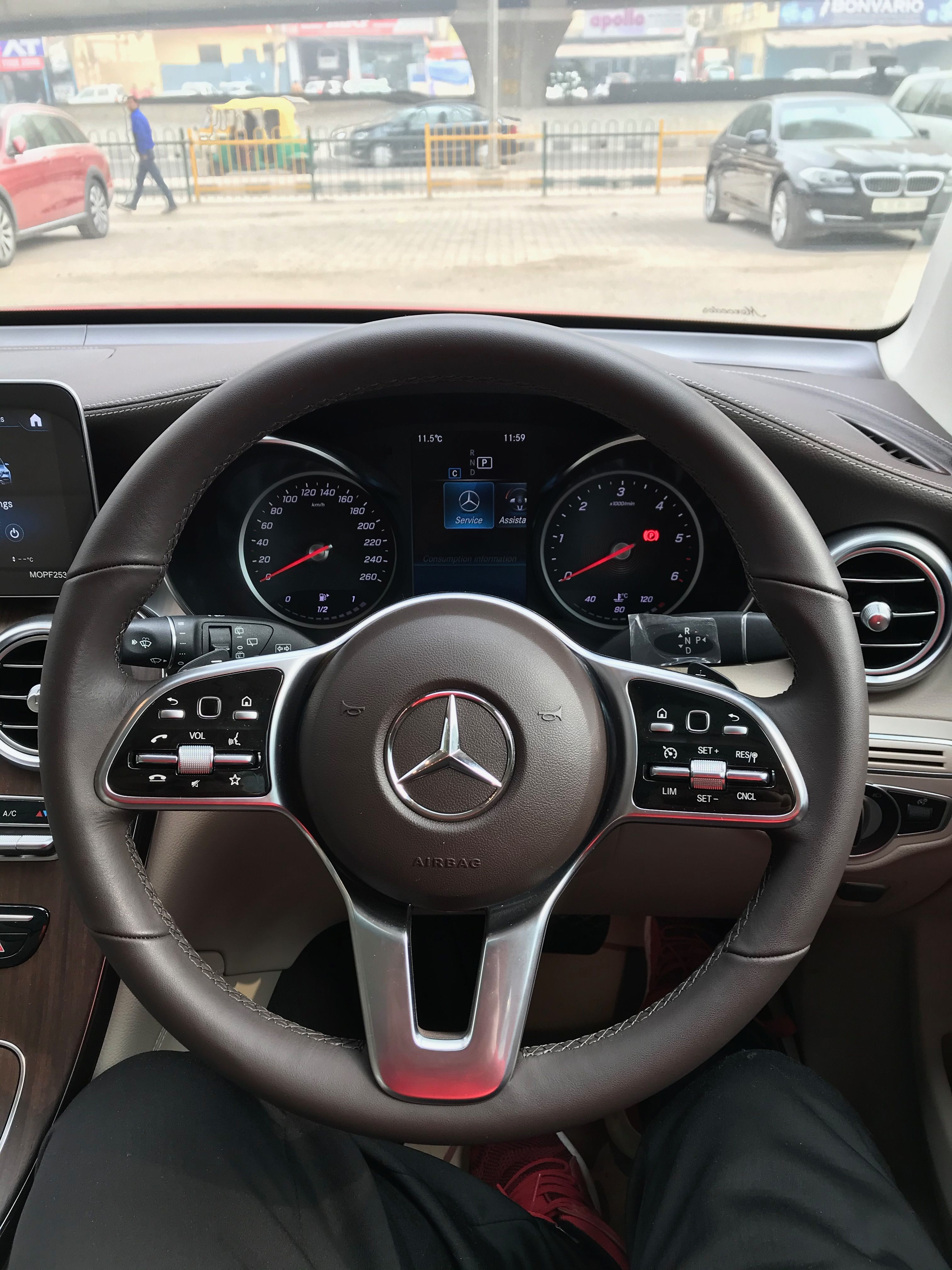 Mercedes Benz Glc 220d 4matic 68 Lakh Real Life Review In 2021 Mercedes Benz India Mercedes Benz Glc Mercedes Benz Wallpaper mercedes glc 220d rear view
