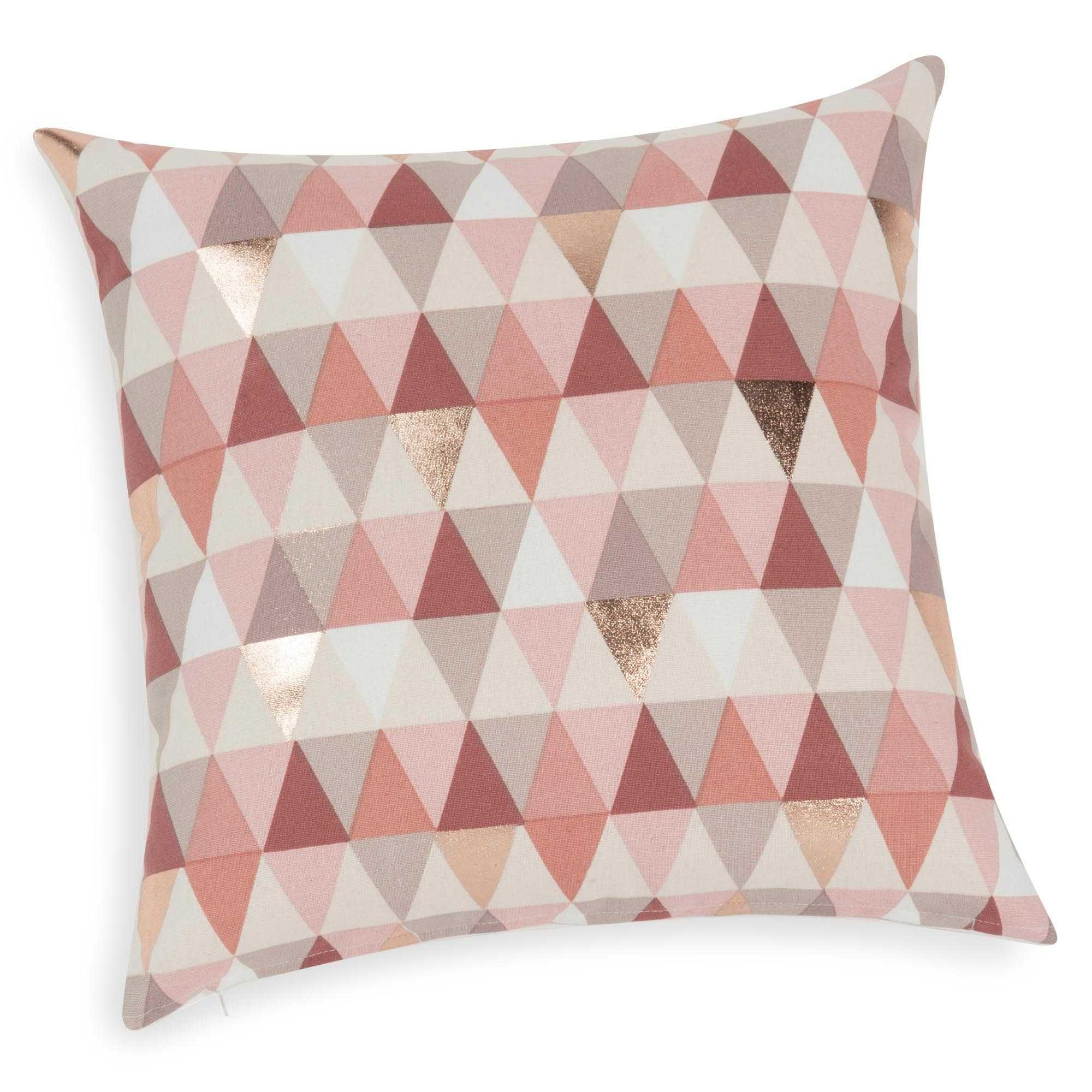 Housse de coussin motif triangles roses 40 x 40 cm lucille for Bibelot decoration maison