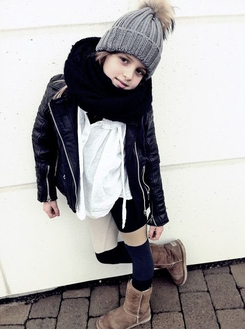 small little cute girl kid kids winter fall style fashion simplem monochrome black white brown neutral natural colors colours hat fur scarf leather jack jacket white top shirt tshirt uggs