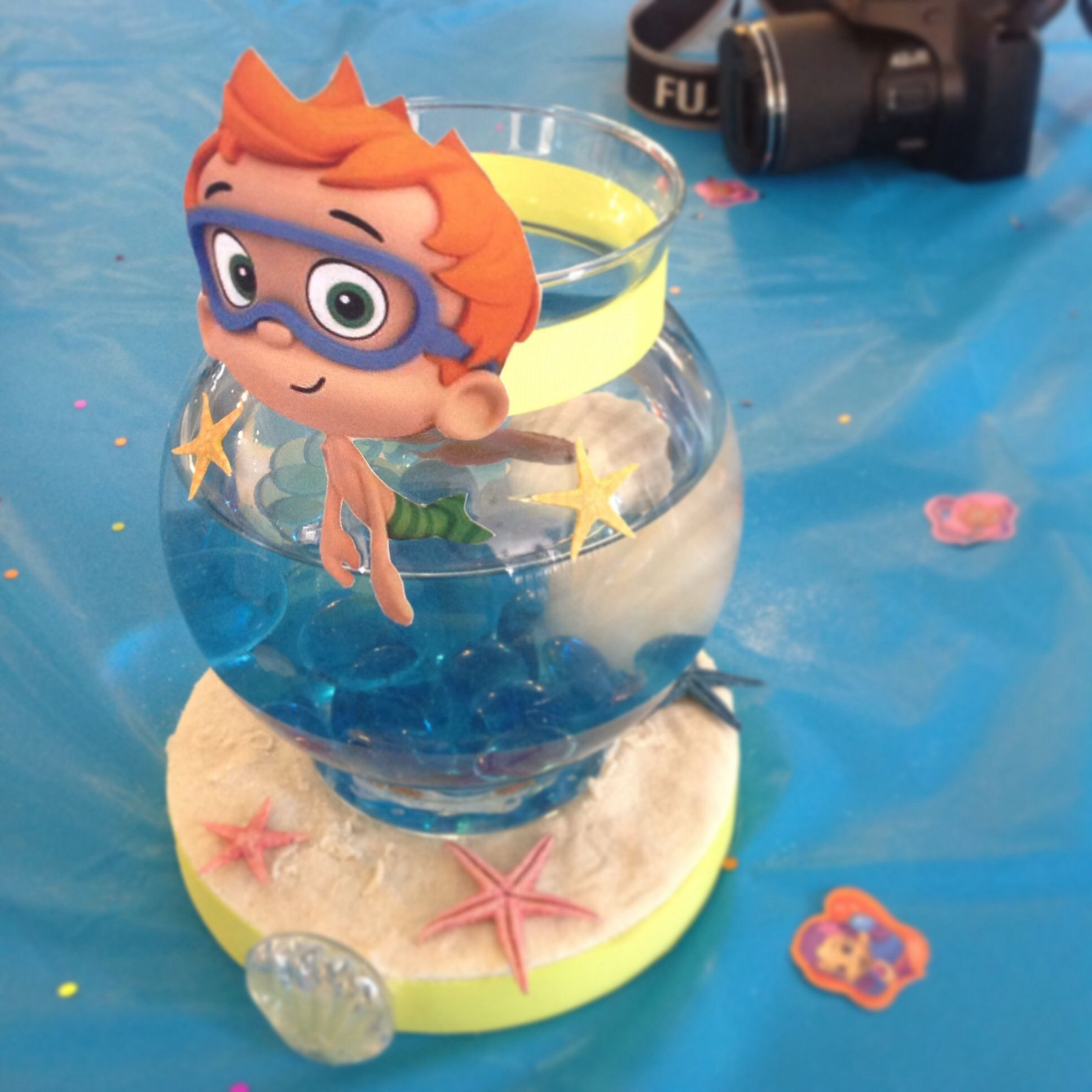 Bubble guppy birthday table centerpiece with real betta for Bubble guppies fish