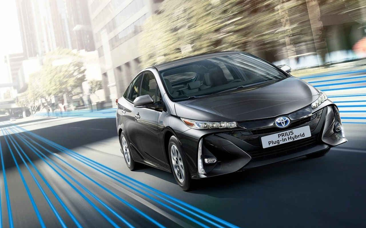 2018 toyota prius v redesign changes specs release date