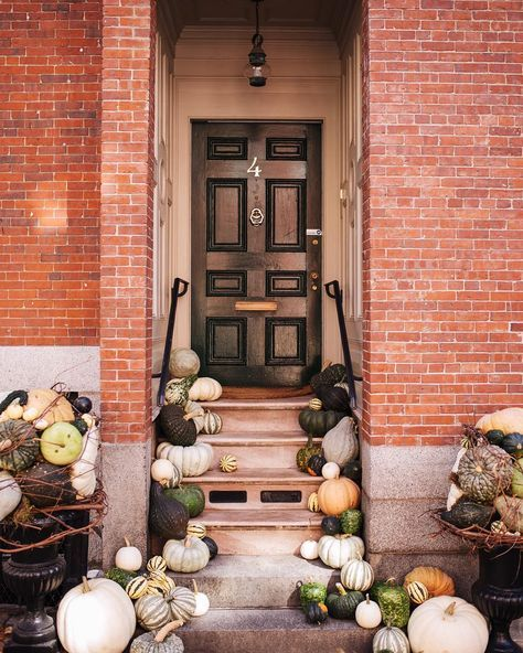 Happy Halloween! #falldoordecor #halloween #boston #doorstep #gmgtravels & Happy Halloween! #falldoordecor #halloween #boston #doorstep ... pezcame.com
