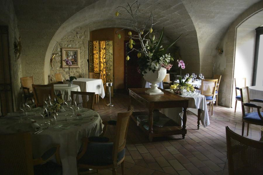 cottage style interiors photo 3 stone walls restaurant interiors - Stone Cottage Interiors