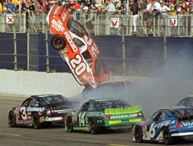 Tony Stewart Suffers Broken Leg In Sprint Car Crash Nascar Racing Nascar Crash Nascar Wrecks