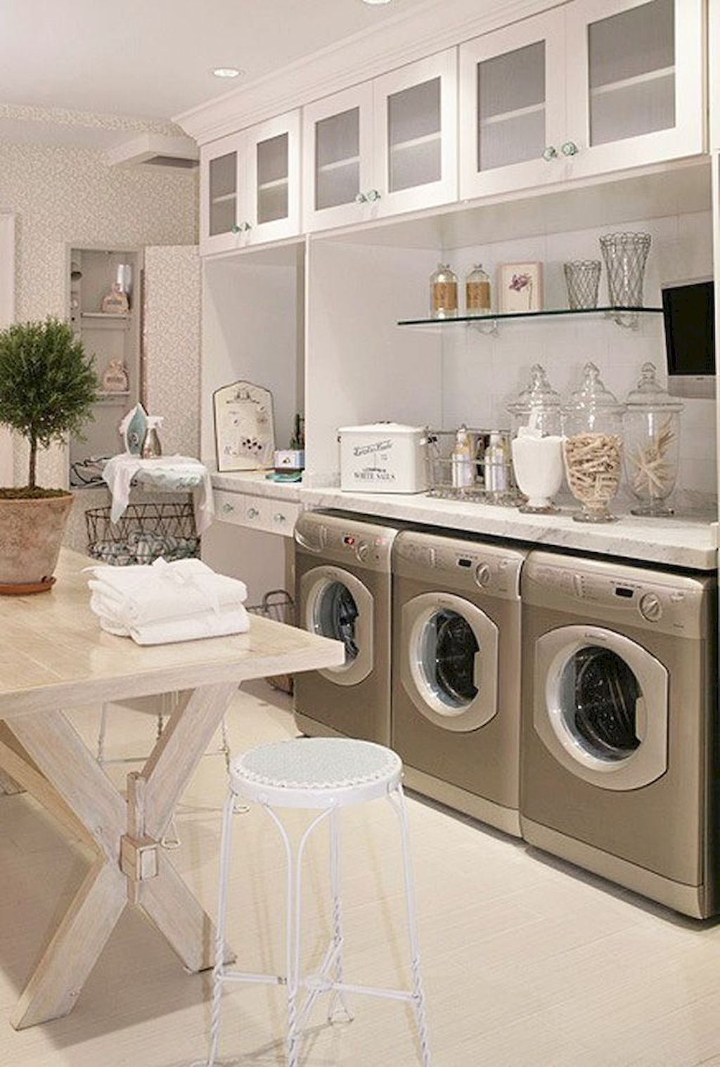 80 functional small laundry room design ideas dream on extraordinary small laundry room design and decorating ideas modest laundry space id=91269