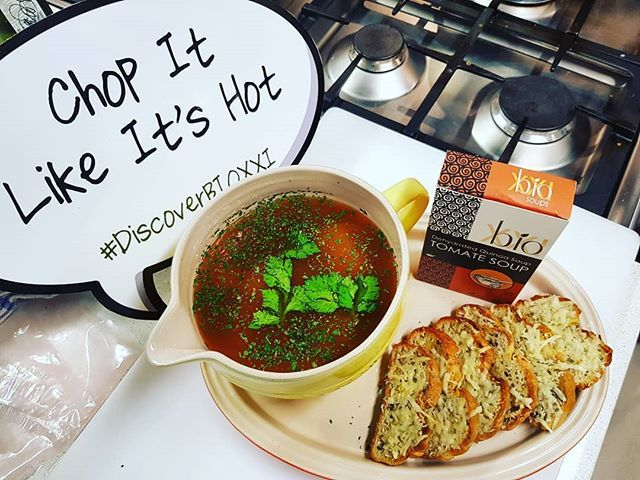 The soup must be a little bit hot for my #Indian Taste buds @bioxxisa #DiscoverBioXXI @goodfoodstudio_jhb @Lecruesetsa #vegan #quinoa #GlutenFree #Organic #TheLifesWay #Photoyatra #AashishRaiJain #Blogger #vLogger #WalkingwithCamera #photographerwithpassion #instagrammer #6yearsofthelifesway #foodblogger #GalaxyNote8 #DoBiggerThings #shotwithmygalaxy www.thelifesway.com