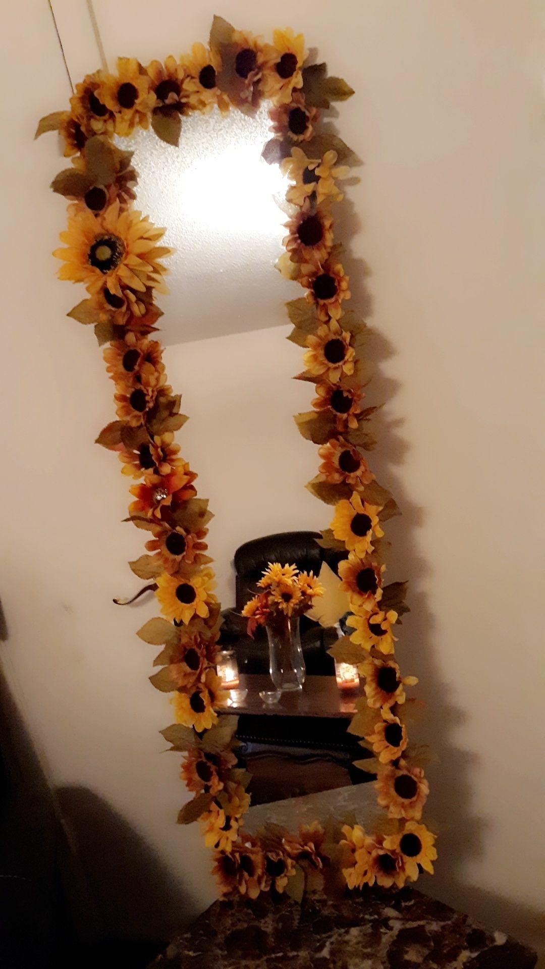 DIY Sunflower Mirror