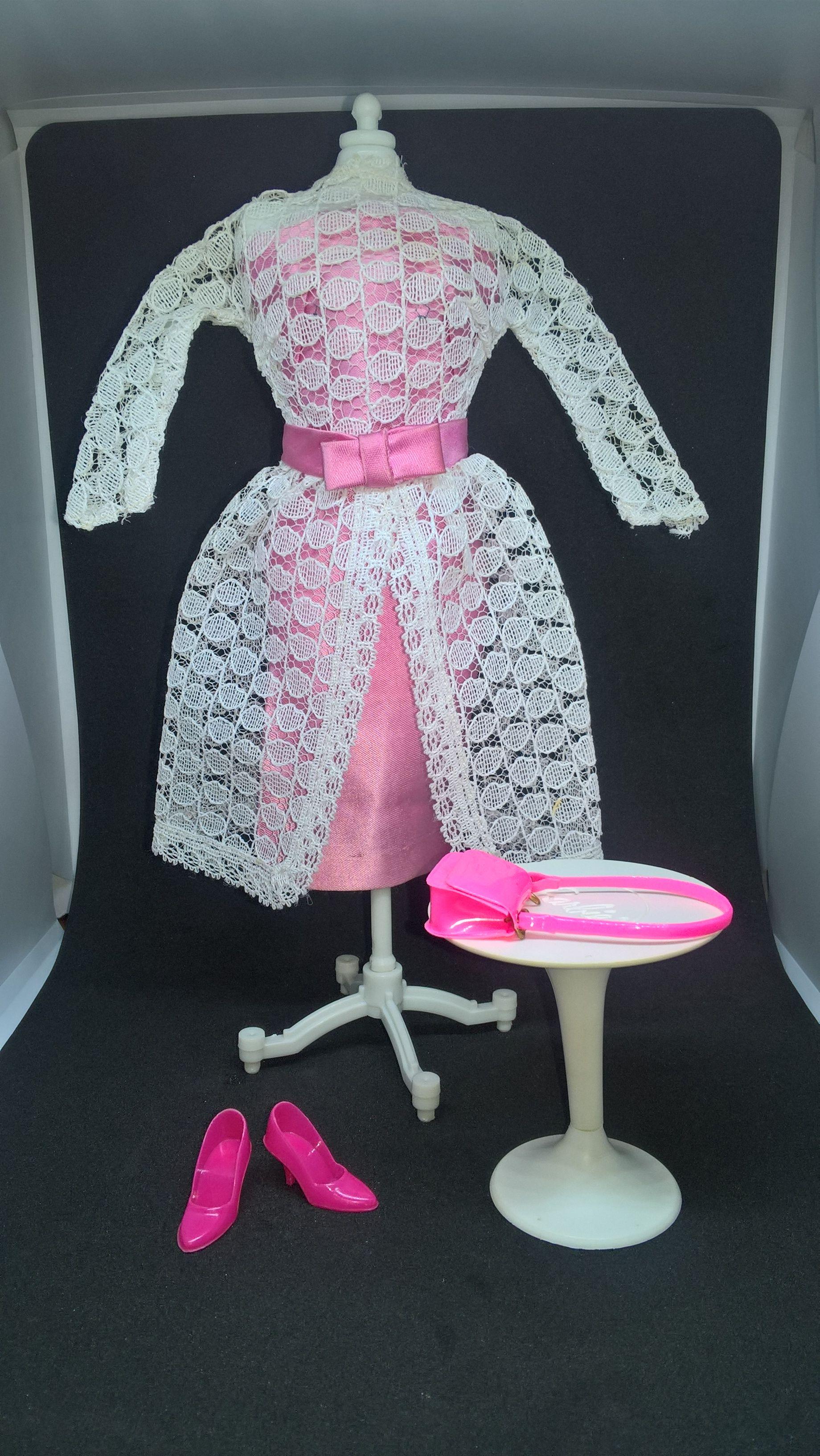 Garden Wedding #1658 (1966-1967) | Vintage barbie clothes, Vintage barbie  dolls, Vintage barbie