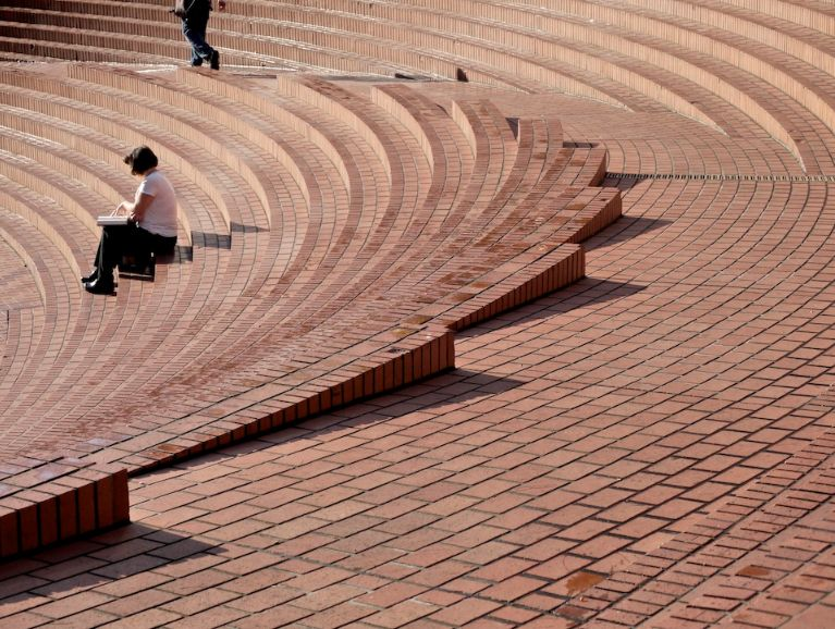 Great Place To Sit People Watch Pioneer Courthouse Square Portland Oregon Amphitheater Architecture Landscape Stairs Ramps Architecture