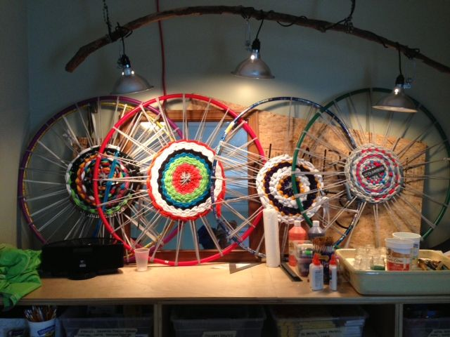 Hula Hoop Rugs Displayed In The Hoop   A Better Use For These!