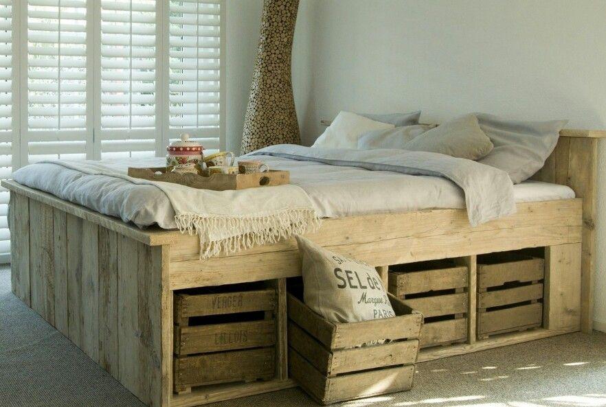 paletten bett garten europaletten bett bett aus paletten und bett ideen. Black Bedroom Furniture Sets. Home Design Ideas