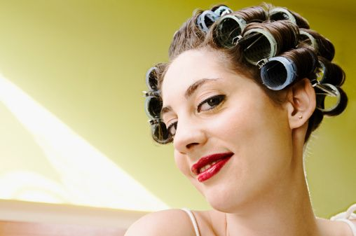 naked-girl-in-curlers
