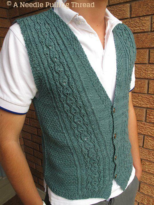 Chaleco Esbelto  caballero    cardigan  men  knitted  tejedorlisto  design  by Charles Voth 36240e165faf