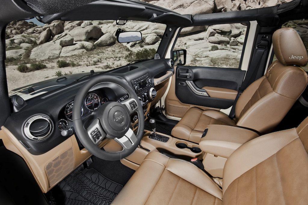 Jeep Broadens Wrangler Lineup With New Mojave Special Edition Model Jeepfan Com Jeep Wrangler Interior 2011 Jeep Wrangler Jeep Interiors