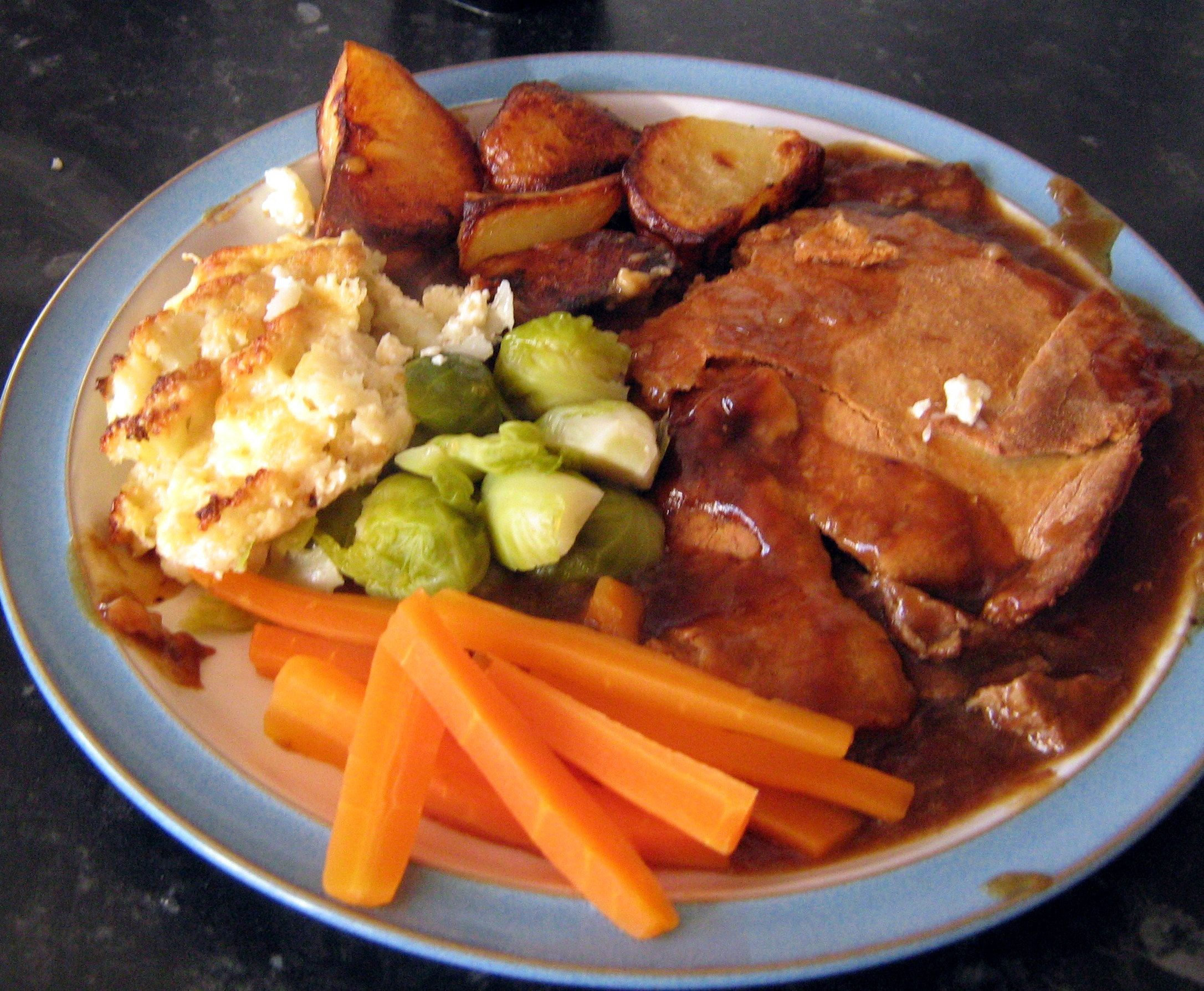 Steak and Onion Pie Recipe | Beef recipes, Minced beef ...
