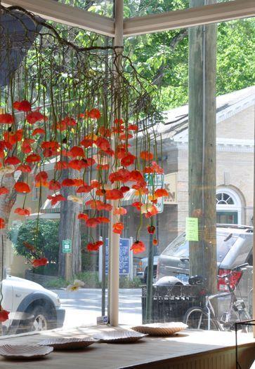 Blumen regnen über den Esstisch – Bloomifique – #Bloomifique #Flowers #dem #Esst … – Blume – Blumen