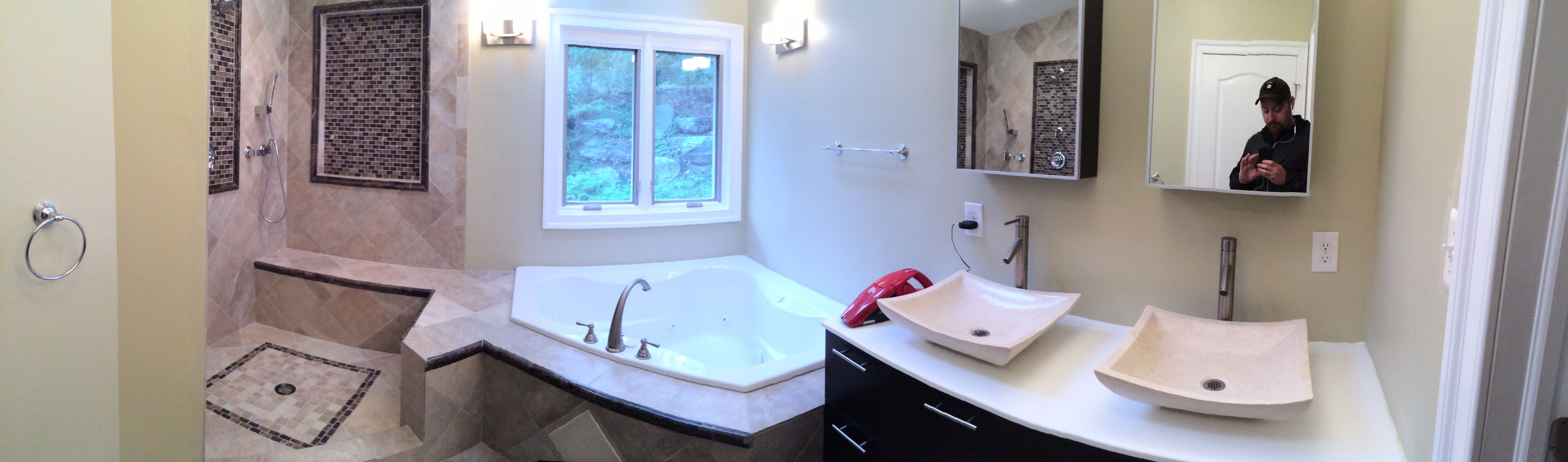 Corner bath tub in the cool master! Creativeedgeconstruction.com ...