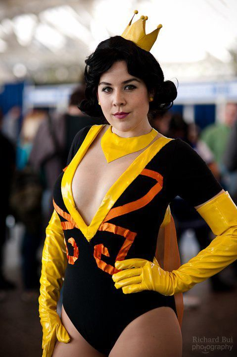Dr. Mrs. The Monarch cosplay by Kit Quinn | Cosplay, Miss