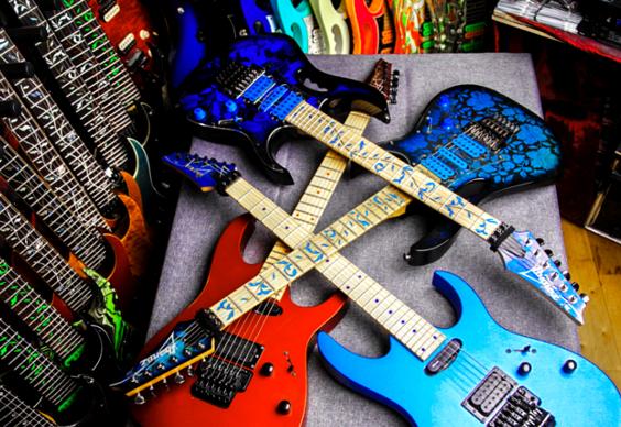 E Gitarrenmuseum Volker Scheidt Das Digitale Gitarrenbuch Gitarrenunterricht E Gitarrenschule Freiburg In 2020 Gitarre Gitarrenunterricht