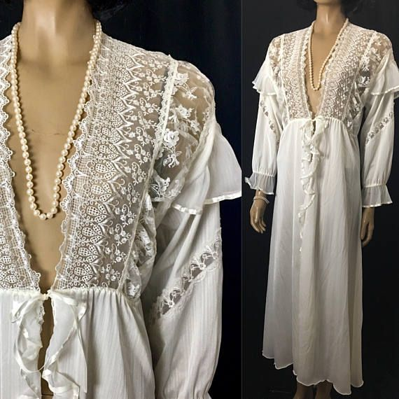 Vintage Peignoir Ivory Victorian Style Dressing Gown Plus Size Large ...