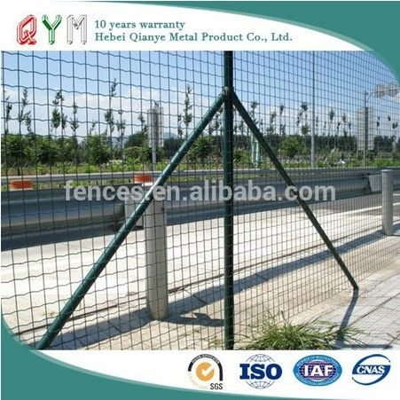 Qym Euro Fence A Kind Of Welded Mesh Fence Has Simple Production Process The Wire Mesh Is Welded By High Quallity Wave Shaped G Mesh Fencing Wire Mesh Fence