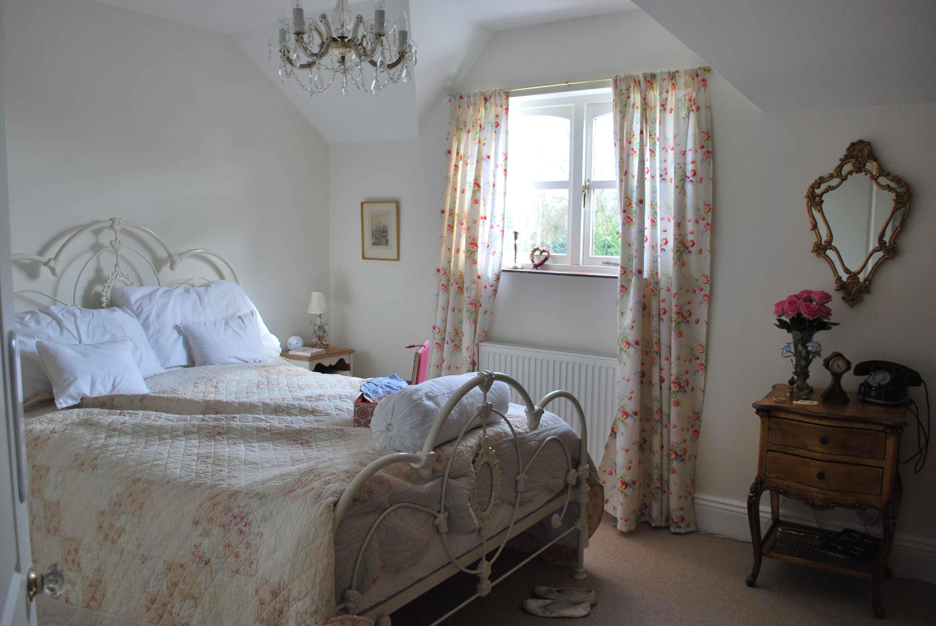 Arredare Camera Da Letto Stile Country : Bedroom in farrow and ball pointing idee arredamento