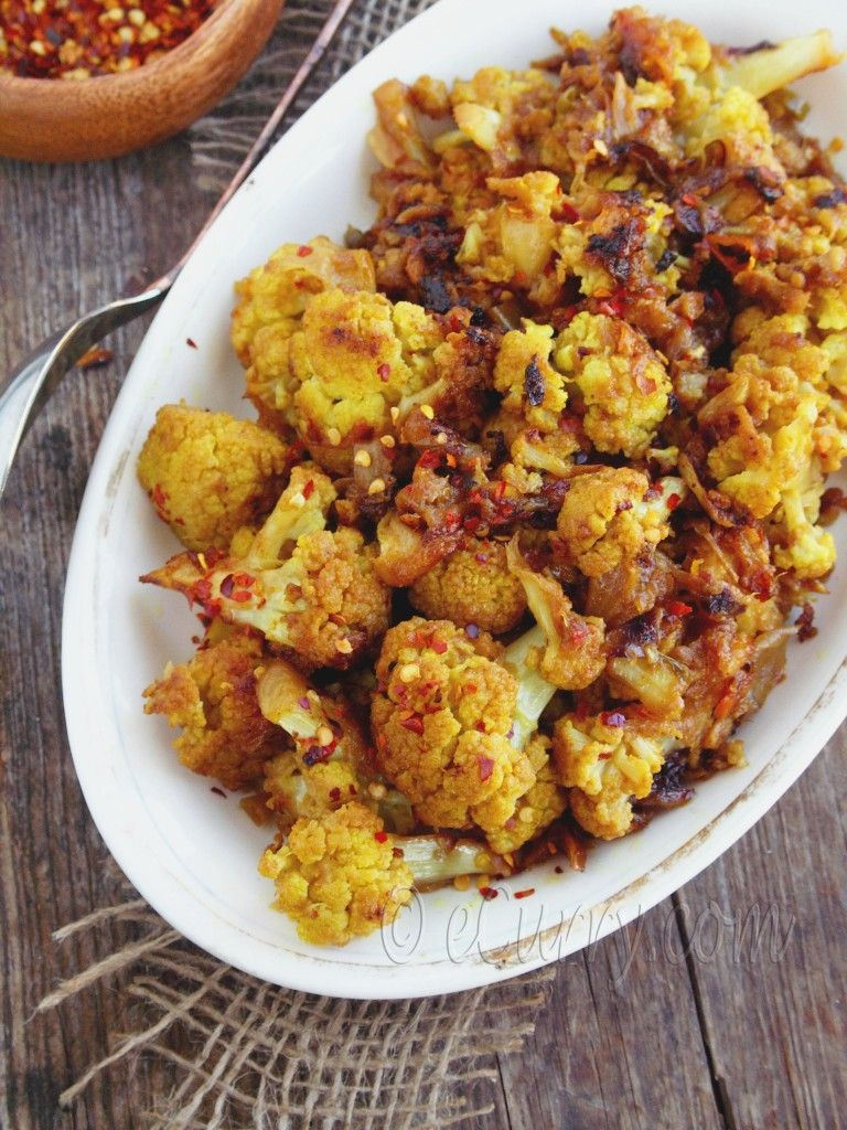 indische küche, vegetarisch: in der pfanne gebratener blumenkohl