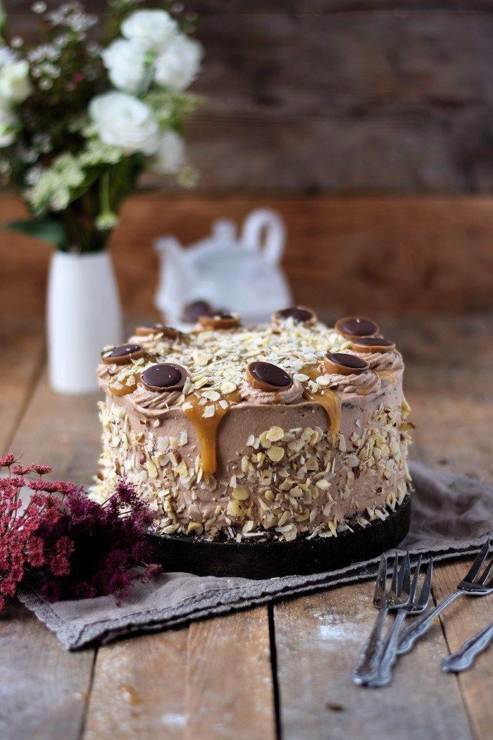 karamell nougat haselnuss toffifee torte caramel hazelnut chocolate cake kuchen und torten. Black Bedroom Furniture Sets. Home Design Ideas
