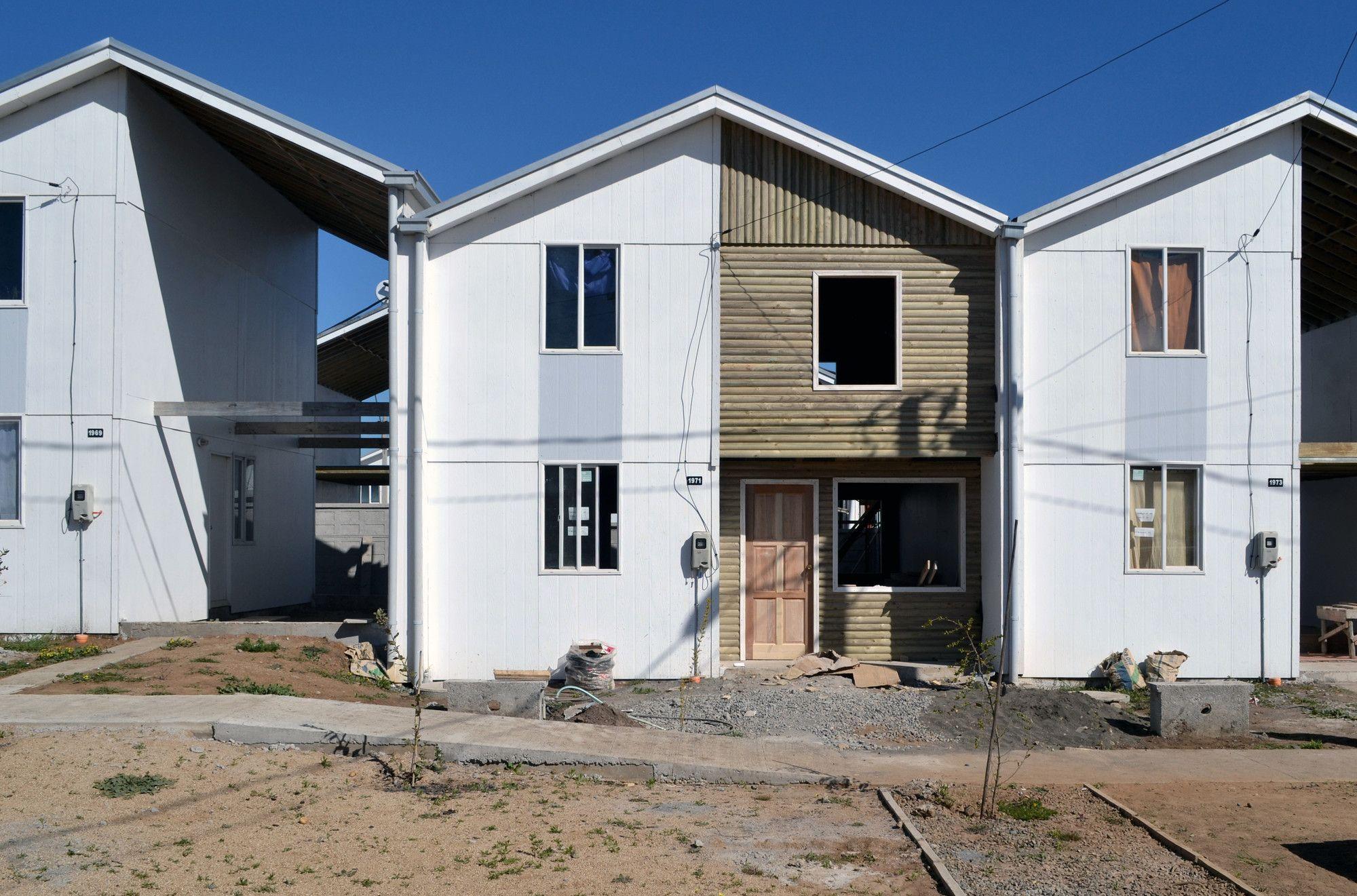 Tipologia Habitacional Metade Pronta Do Elemental Um Sucesso Em Qualquer Circunstancia Social Housing Social Housing Architecture Affordable Housing