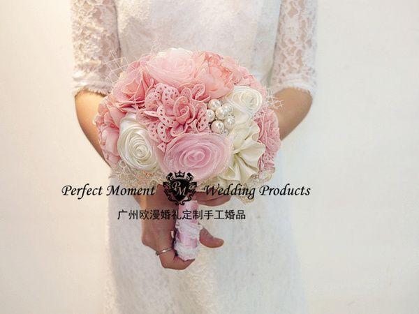 结婚订制韩式花束新娘手捧花 户外婚礼摄影闪亮浅粉色新娘手捧花 Outdoor Wedding Photography Pink Bride Korean Bride