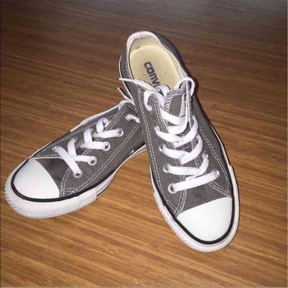 Converse Size 6 Women Grey   Converse