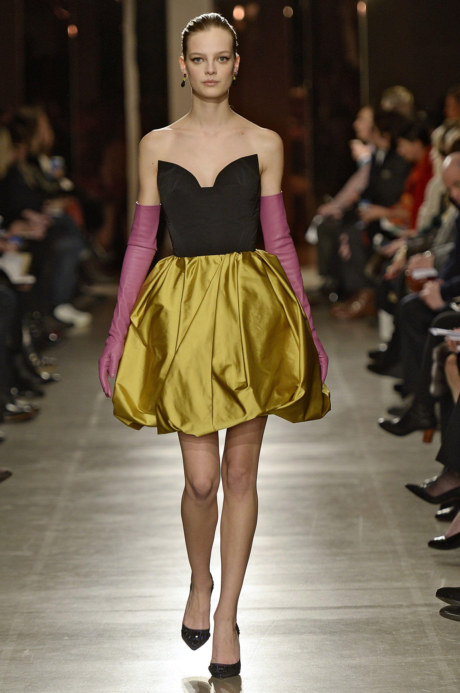 Highlights From New York Fashion Week Fall 2015  - ELLE.com OSCAR DE LA RENTA