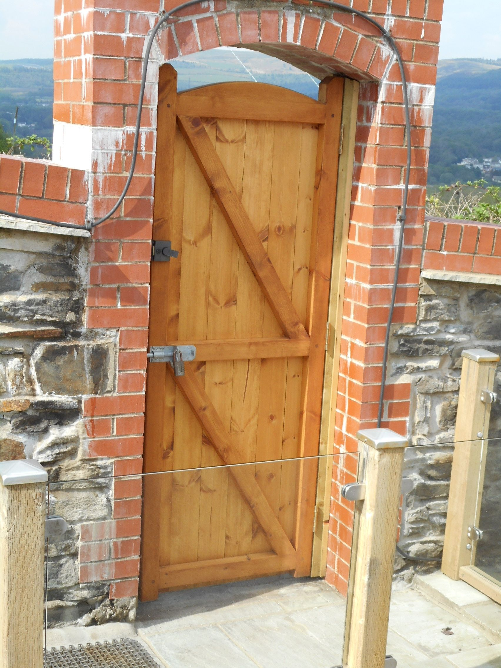 Garden gates and side gates - handcrafted in the UK to any ...