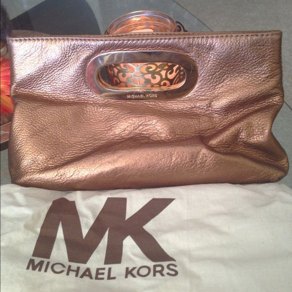 🎉REDUCED🎉Michael Kors Bronze Leather Clutch GORGEOUS, sophisticated leather clutch. Michael Kors Bags