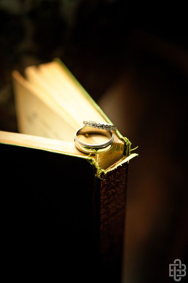 Wedding rings with book