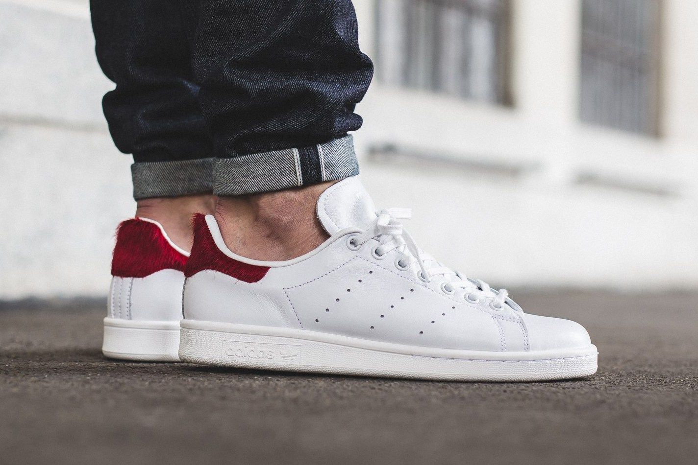 adidas originali aggiunge red pony capelli a stan smith pinterest